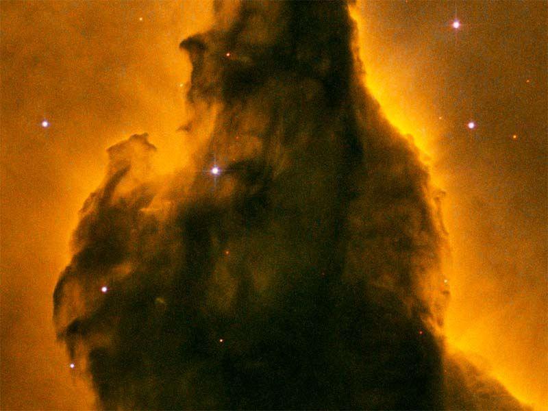 13. Туманность Орел M16 в созвездии Змеи. Это фрагмент знаменитой фотографии, сделанной при помощи орбитального телескопа «Хаббл», получившей название «Столпы творения».