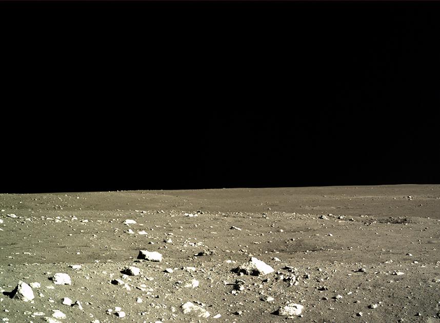 Лунный пейзаж, снятый посадочным модулем «Чанъэ-3»