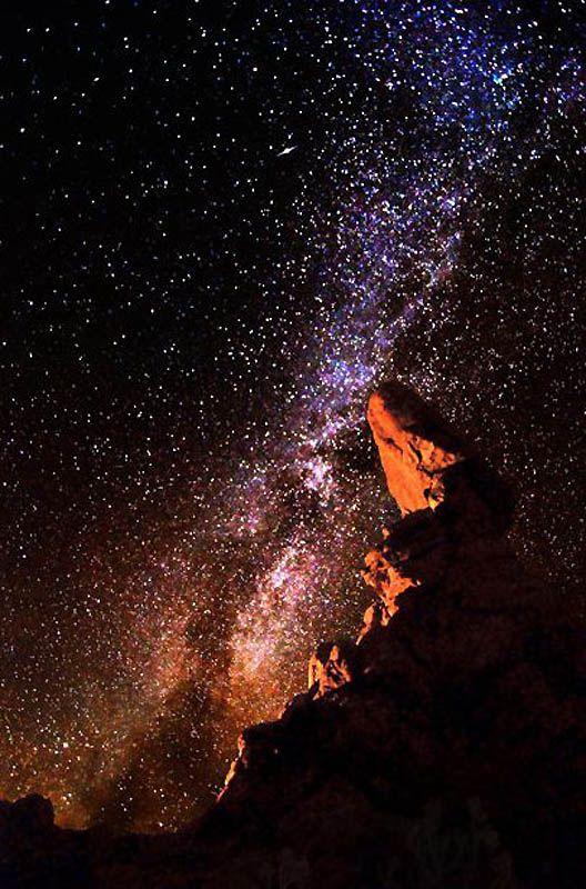 7. Пейзаж как будто с другой планеты, а на самом деле – из национального парка Юты Арки. (BRET WEBSTER / BARCROFT USA)