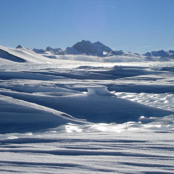 Apple, пранк, Исчезновение льда приводит к увеличению риска разрушения шельфовых ледников в Антарктиде