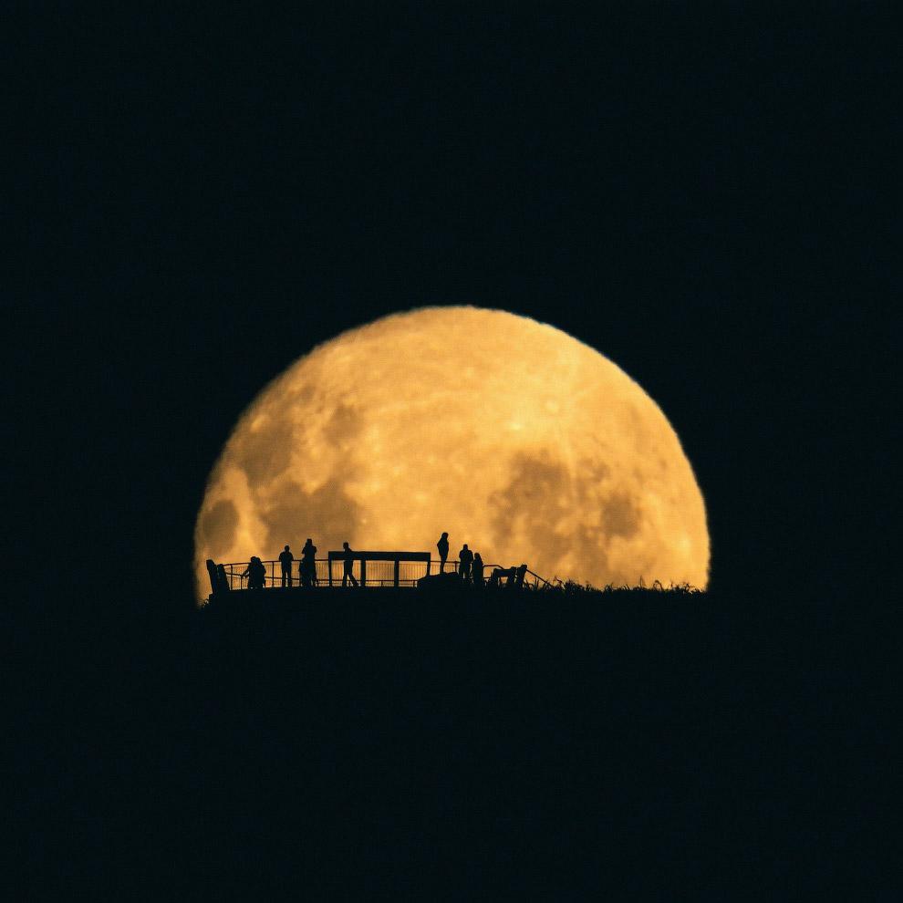 Восходящая Луна в Тасмании